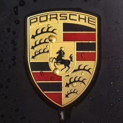 Porsche Logo - Dieselskandal Rückruf